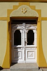 2 Lassan doorway